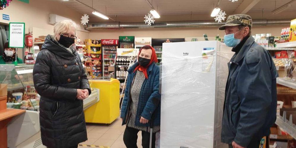 """Šaldytuvas """"Beko"""" iškeliavo pas Oną Šeputienę į Vainutą."""